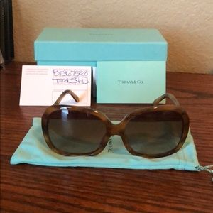 Tiffany NWOT sun glasses authentic with box case